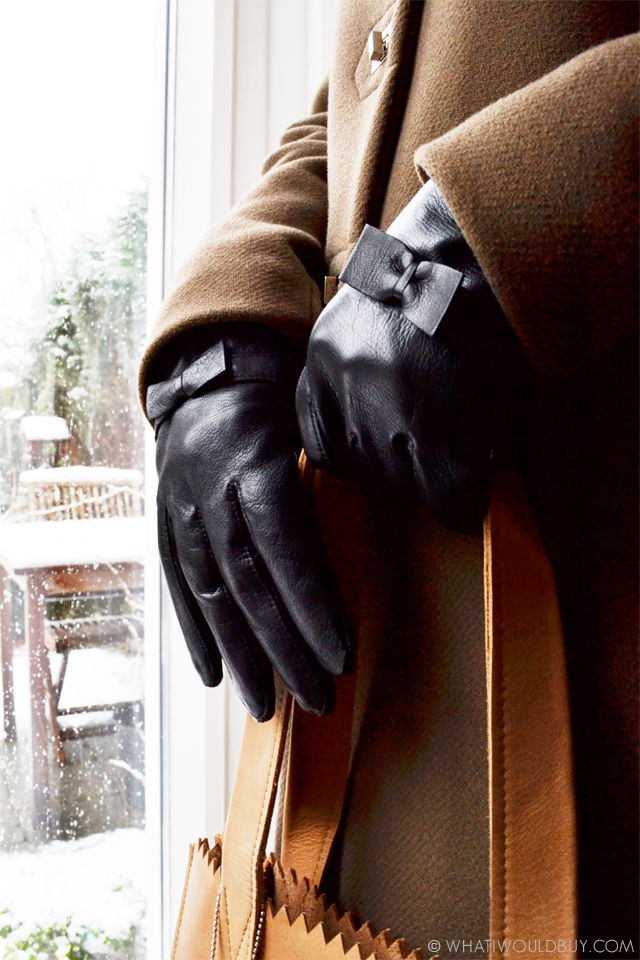 Black leather women's gloves 'Tarzo' by Laimbock