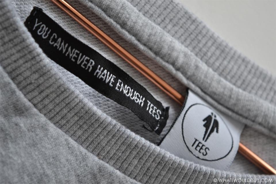 Yunit Unisex Sweater - Travel Essentials